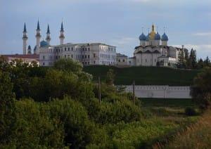 мечеть и церковь рядом
